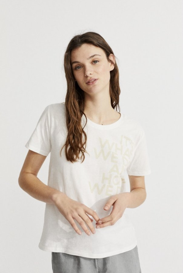 T-shirt white woman